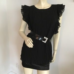 Nwot Wendy Katlen black pleated Ruffled blouse
